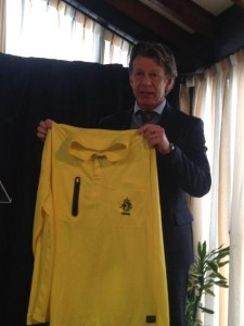 Arag and KNVB will give all Dutch referees a new official shirt.