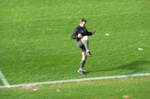 Kuipers doing a warm-up: he needs to get ready for the Europa League final now.