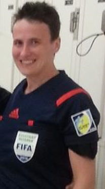 Ella de Vries - assistant referee.