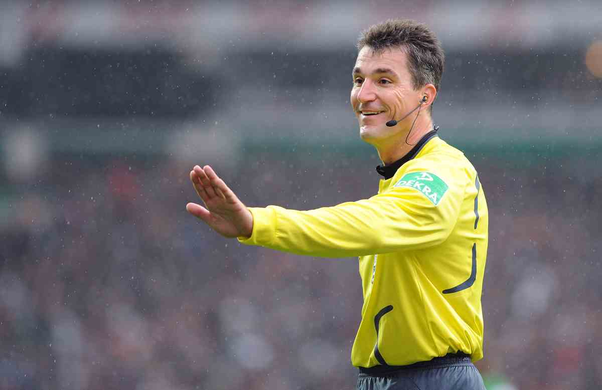Referee Knut Kircher