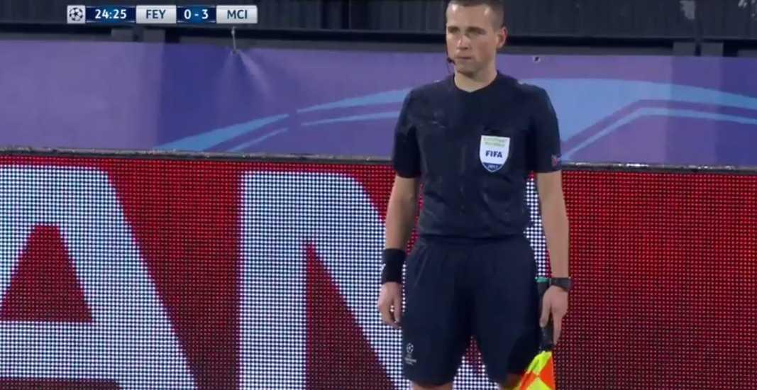 Assistant referee Tomasz Listkiewicz.