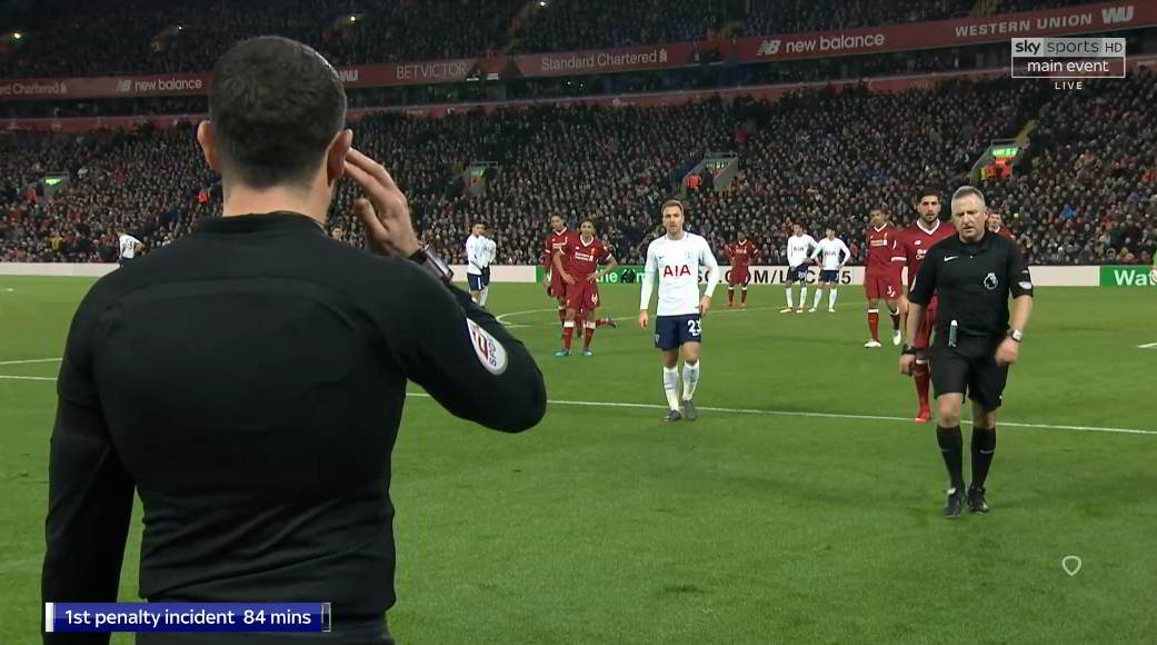 Discussion of Jon Moss and AR: no offside because of deliberate play?