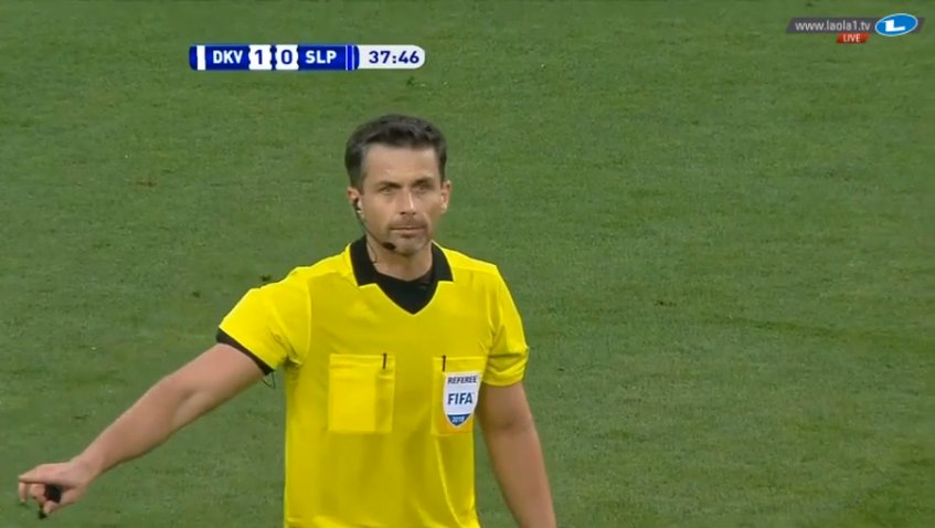 Referee Daniel Stefański