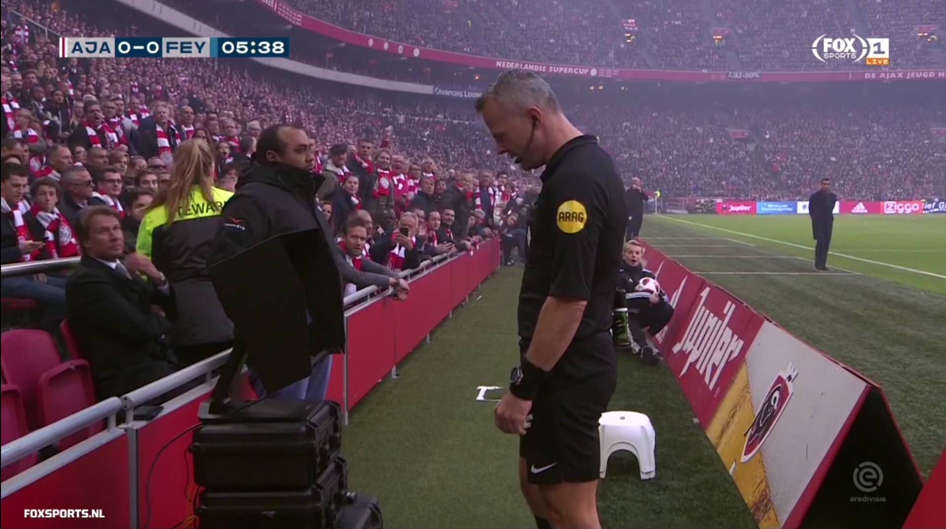 Dutch VAR behind the scenes
