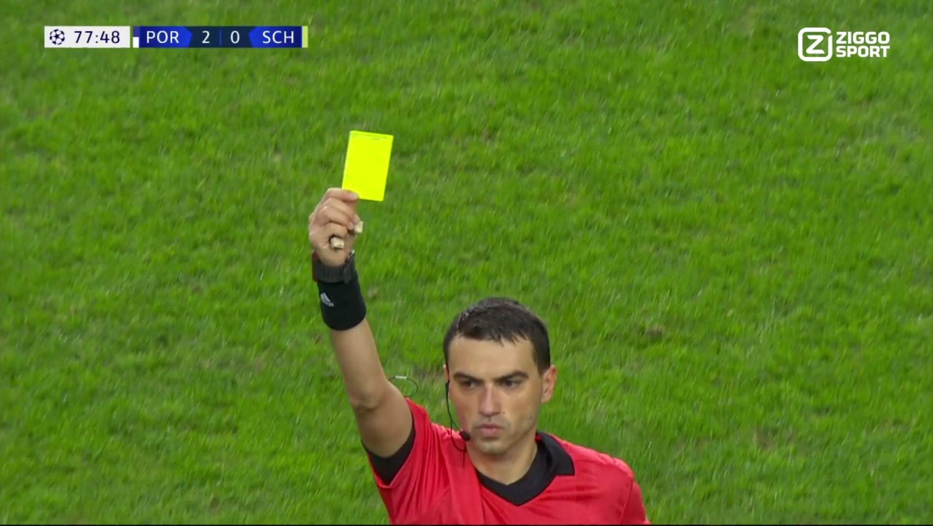 Ovidiu Hategan shows Jesus Corona a yellow card