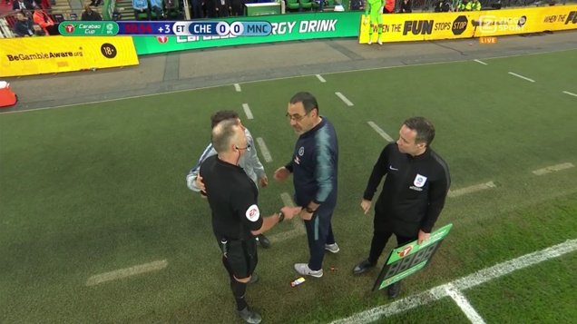 Jon Moss talking with manager Sarri