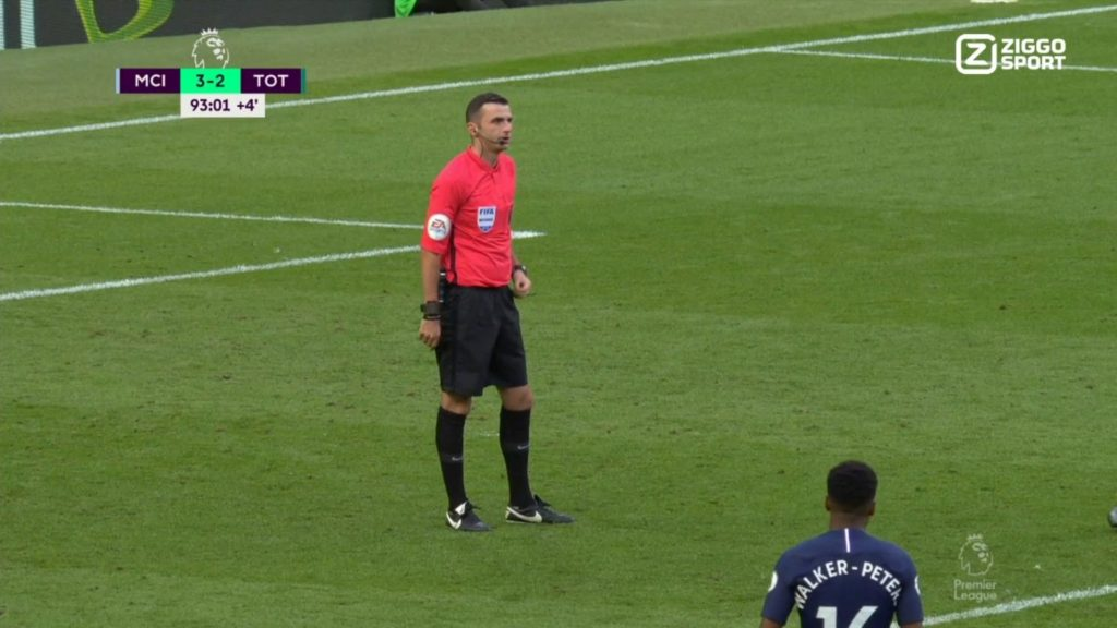 Handball before goal? Referee Michael Oliver waits for the video referee.